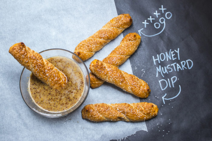 Pub Pretzels & Honey Mustard Sauce